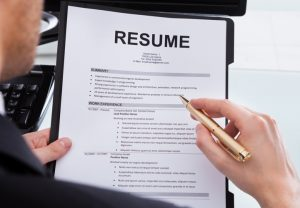 Resume Formats Guide: Reverse Chronological vs. Functional (Skills Based) vs. Hybrid
